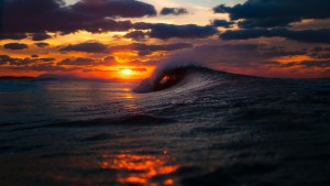 amazing-sea-wave-at-sunset